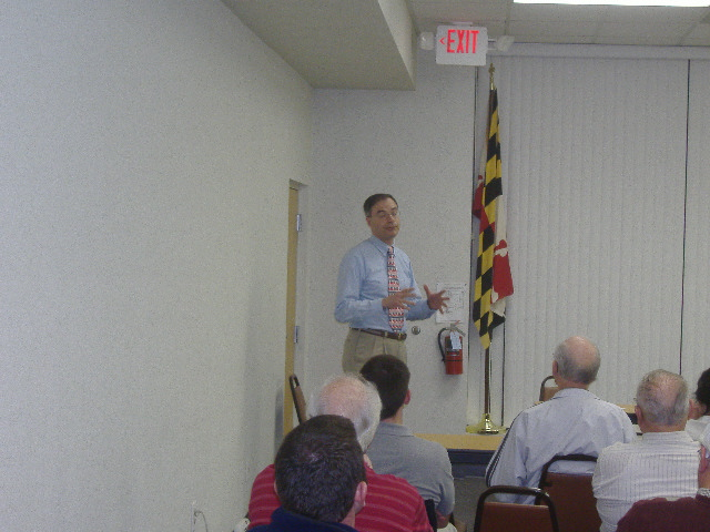 Andy Harris makes a point in his speech before the Wicomico County Republican Club, November 27, 2007.